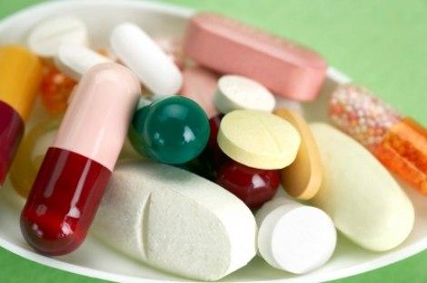 Medicines 1372758454 500x0 Những cách giúp giảm đau họng nhanh chóng
