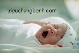 benh tre em Những vấn đề thường gặp ở trẻ từ sơ sinh đến 3 tháng