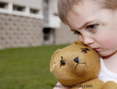tự kỷ ở trẻ em