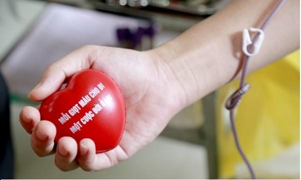 Image result for hiến máu