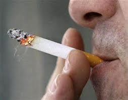 hút thuốc nhiều là một trong những nguy cơ gây K vòm họng