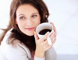 Uống cà phê khi mang thai tăng nguy cơ ung thư máu cho trẻ