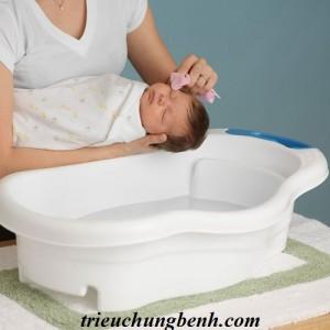 images556783 rds154253 300x300 Nên tắm cho bé sơ sinh vào mùa đông?