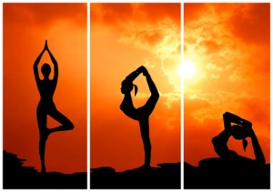yoga 1 300x211 Bài tập yoga tốt cho sức khỏe (phần 1) | Các quy tắc và thư giãn tư thế xác chết